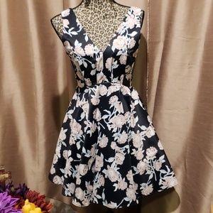 Dresses & Skirts - Floral A line dress